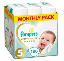 PAMPERS PLIENKY PREMIUM MONTHLY BOX 136 JUNIOR*S5